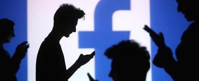 Facebook, uno studio rivela: essere social nuoce alla salute mentale. Ecco perché