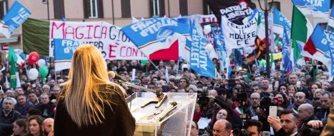 Immigrazione, Fratelli d'Italia: è un decreto spot, gli scafisti ringraziano