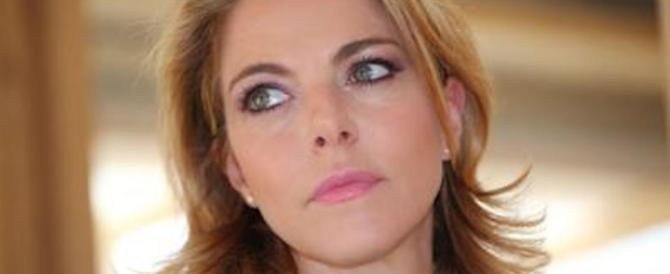 Claudia Gerini: «Superato ogni limite. Non sono lesbica, denuncio tutti»