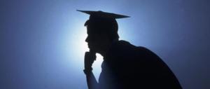 """Sei figli, tre lauree, non trova lavoro perché troppo """"qualificato"""". E troppo italiano…."""