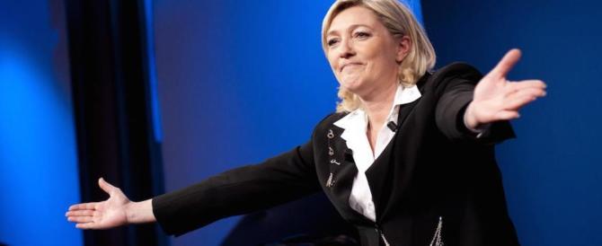 Molotov contro la sede del Fn: ma a 10 giorni dal voto la Le Pen è sempre in testa