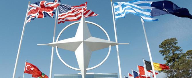 Mosca alla Nato: non sprecate soldi, la vera minaccia è l'Isis non la Russia