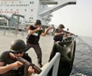 Spettacolare video dei pirati somali. Ma è uno scoop a scoppio ritardato? (VIDEO)