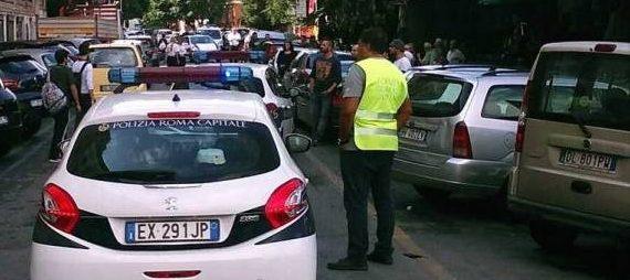 Roma, cade un altro albero sempre al quartiere Prati: ferita una donna