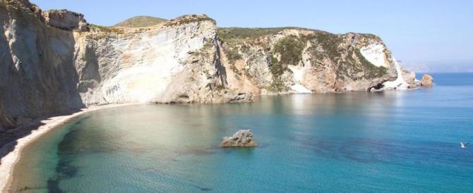Dalla Sardegna a Ponza: ecco i dieci paradisi sul mare per l'estate 2017