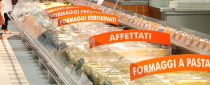 Altro trappolone: 600 alimenti scaduti da mesi venduti in un supermercato