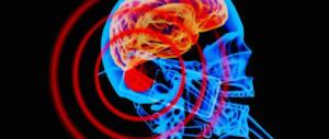 Tumore al cervello legato all'uso del cellulare: tribunale italiano lo certifica