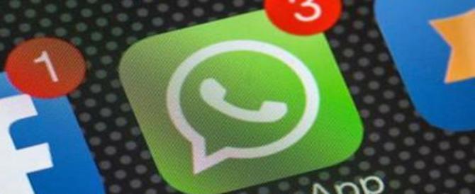 Contanti addio, presto si potrà pagare con WhatsApp