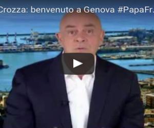 Crozza accoglie il Papa a Genova: «Sei venuto per scomunicare Grillo?» (video)