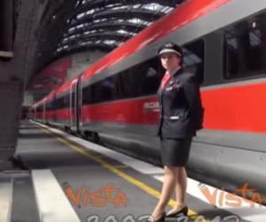 Debutta il super Freccia Rossa lungo 400 metri per 914 passeggeri (video)