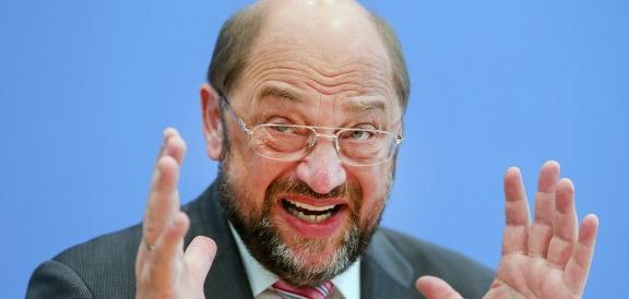 Germania, pesante batosta per Schulz: Merkel gli strappa il Land più popoloso
