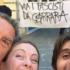 «Poveri scemi». Il selfie della Meloni che irride i centri sociali spopola sul web