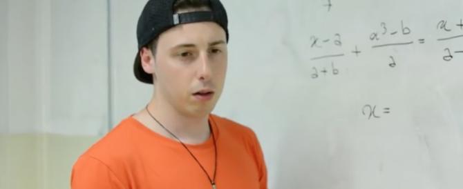 Tempo di scrutini, e sul web va forte la finta lite col prof di matematica (video)