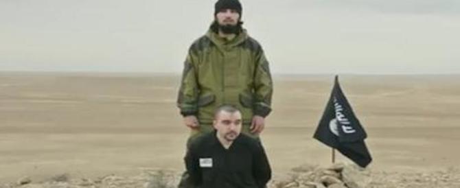 """Ecco il nuovo video dell'orrore diffuso dall'Isis: decapitata una """"spia russa"""""""
