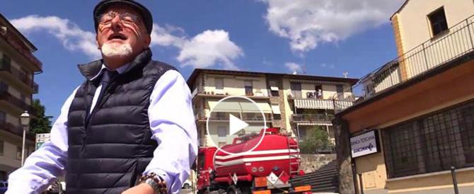 """Il """"Vaffa"""" di Tiziano Renzi ai giornalisti. Ecco il video di Repubblica Tv"""