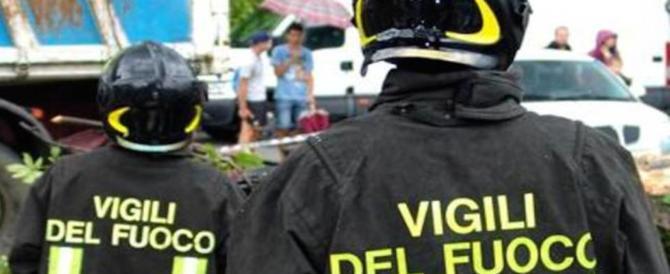 """""""Eroi con stipendi da fame"""": sit-in dei Vigili del fuoco in tutta Italia"""