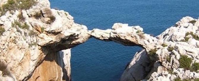 Palermo, l'Arco dei Baci Perugina torna a far sognare gli innamorati