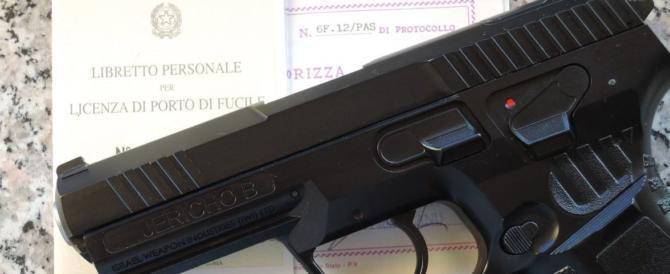 Legittima difesa, ecco cosa prescrive la legge per la detenzione di un'arma