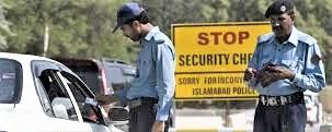 L'Isis subentra ai talebani in Pakistan: 25 morti in assalto a un senatore