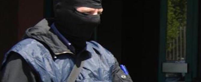 """""""Cani sciolti"""" dell'Isis. Un fermo e un'espulsione per due fratelli tunisini"""
