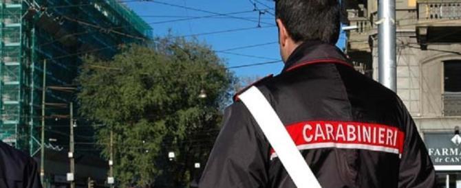 Panico nella zona universitaria di Bologna: marocchino accoltella una donna