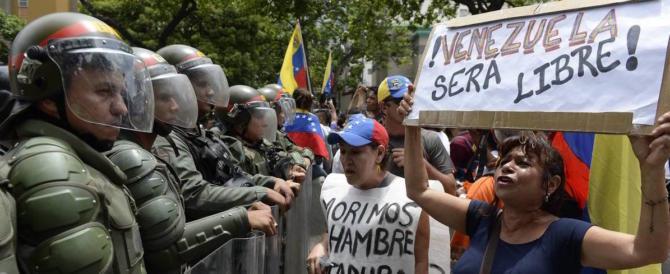 Venezuela alla fame, Maduro non cede. Ma l'Italia non pensa a sanzioni