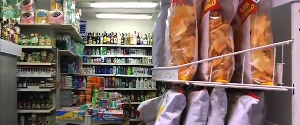 racket dei minimarket in mano ai bengalesi