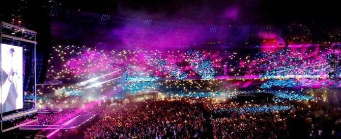 Da Emma a Jovanotti: la rabbia dei cantanti italiani per la strage al concerto