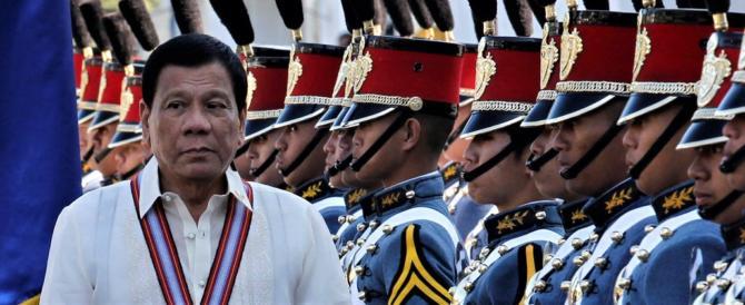 Filippine, Duterte va da Putin per comprare armi per la guerra ai narcos