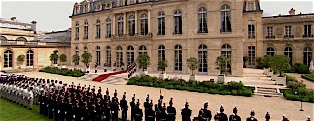 """Francia, il minestrone è servito: ecco il """"nuovo"""" governo Philippe-Macron"""
