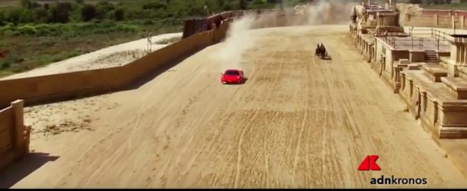 Una Ferrari contro una biga: ecco chi ha vinto nell'arena di Ben Hur (video)