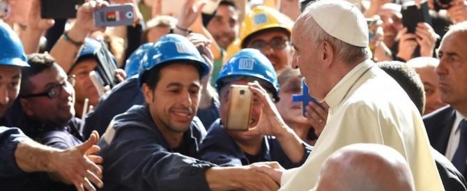 """Papa Francesco all'Ilva di Genova, un manifesto del """"buon lavoro"""""""