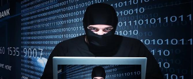 Attacco hacker, ecco come difendersi: i consigli della Polizia di Stato