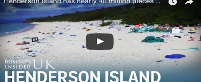 Henderson Island, l'atollo disabitato sperduto nel Pacifico, invaso dai rifiuti (VIDEO)