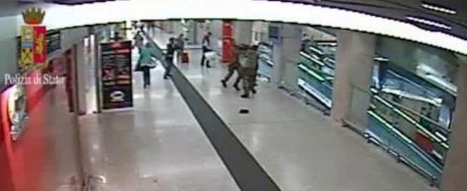 Agenti accoltellati a Milano, il Pm apre all'ipotesi che Hosni non fosse in sé