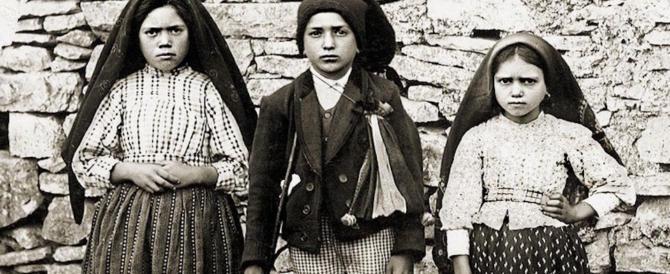 Fatima, i 2 pastorelli sono santi: la folla si scioglie in un lungo applauso