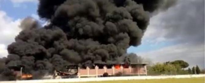 Incendio a Pomezia, il Codacons denuncia Comune, vigili urbani e Asl