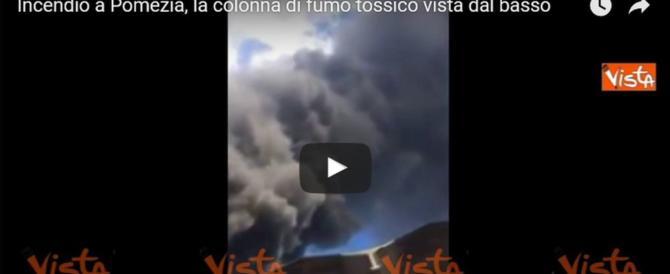 Incendio a Pomezia, ora c'è il rischio amianto. Ma l'Arpa tranquillizza (video)