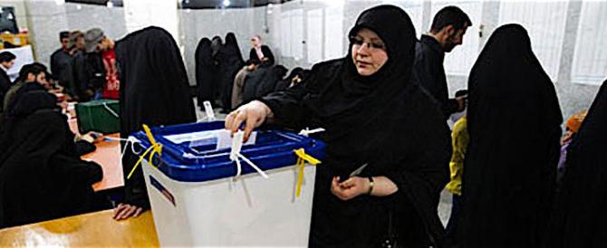 Tutti i numeri del voto di venerdì in Iran. Testa a testa tra Rohani e Raisi
