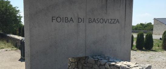 Basovizza, Debora Serracchiani rende omaggio ai martiri delle foibe