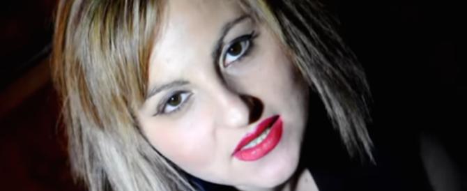 Dramma per la canzone neomelodica a Napoli: si è suicidata Lucia Caruso