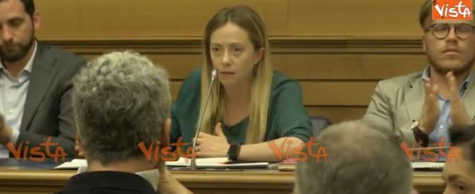 Meloni punge Renzi: «A L'Aquila mandi casette, non magliette gialle…» (video)