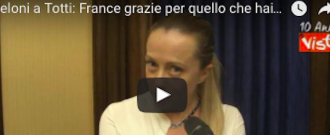 """Meloni ringrazia Totti: """"Roma ha ancora bisogno di te"""" (VIDEO)"""