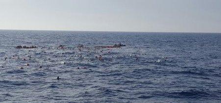 Migranti, naufraga barcone: almeno 31 morti. Molti sono bambini