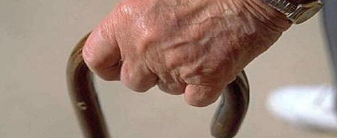 Smascherata finta badante: adescava, narcotizzava e derubava gli anziani