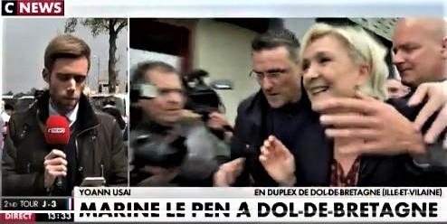 """Uova su Marine Le Pen al grido di """"Fuori i fascisti!"""". E Macron la denuncia (2 video)"""