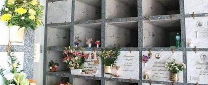 """Ancora uno sfregio: ladri in azione di notte al cimitero a caccia di """"oro rosso"""""""