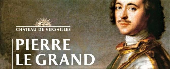 Macron farà pace a Versailles con Putin: c'è la mostra su Pietro il Grande