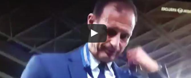 Champions League persa, il gesto a sorpresa di mister Allegri (video)