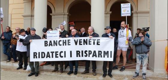 Le Banche venete salvate scippando 708 euro a ogni famiglia italiana